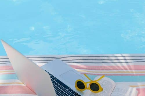 5 Tips for Managing Social Media Pages Remotely